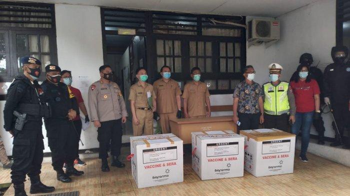 Polres Minahasa Kawal Kedatangan 3.800 Vaksin Covid-19