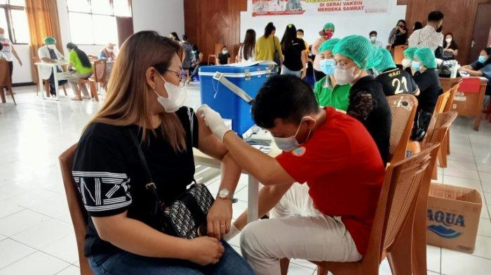 Masyarakat Apresiasi Vaksin Kemerdekaan Polres Minahasa