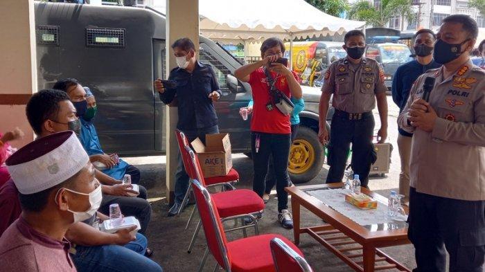 Pembagian Hewan Kurban Idul Adha, Perwakilan Panti Asuhan Doakan Polresta Manado