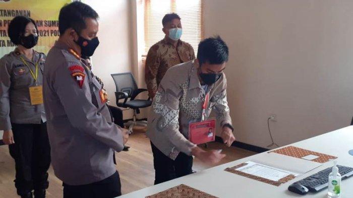 Kapolres Manado Saksikan Penandatanganan Pakta Integritas Calon Taruna Akpol Tahun 2021