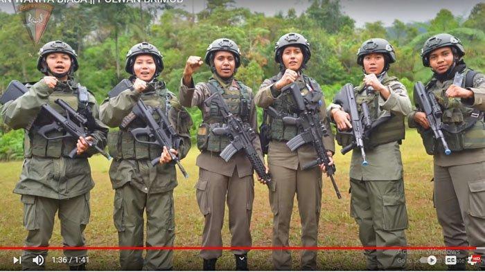 Foto Polisi Wanita, Anggota Brimob Yang Dikirim ke Papua, Ipda Listra Kogoya