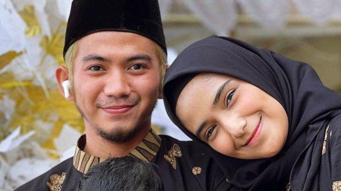 Rizki DA dan Nadya Mustika Rahayu Unggah Potret Keluarga Bahagia, Jadi Sorotan
