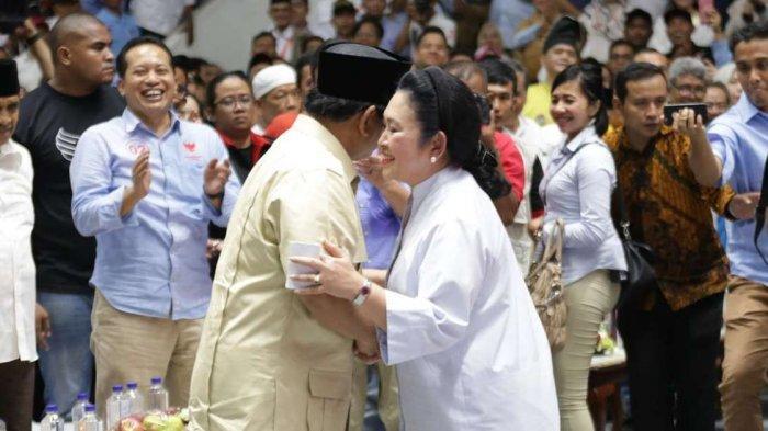 Unggah Foto Satu Keluarga, Prabowo Ucapkan Selamat Ulang Tahun untuk Titiek Soeharto