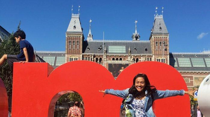 Potret Misha Johanna liburan ke Amsterdam