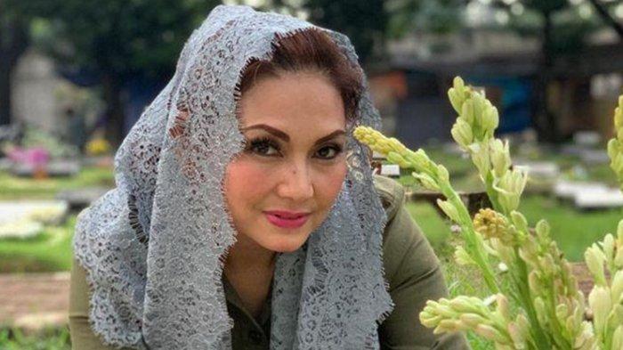 Masih Ingat Nia Daniaty? Cerai dari Farhat Abbas Karena Ogah Poligami, Dijodohkan Dengan Pria Tajir