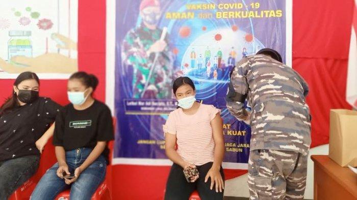 Laksanakan Program Vaksinasi Massal ke Anak-anak, Lanal Melonguane Kerahkan Beberapa Personel