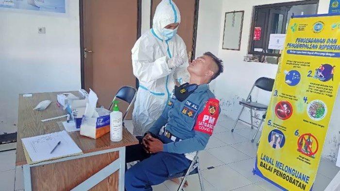 Lanal Melonguane Kabupaten Talaud Laksanakan SWAB Antigen Secara Massal Kepada Seluruh Prajurit