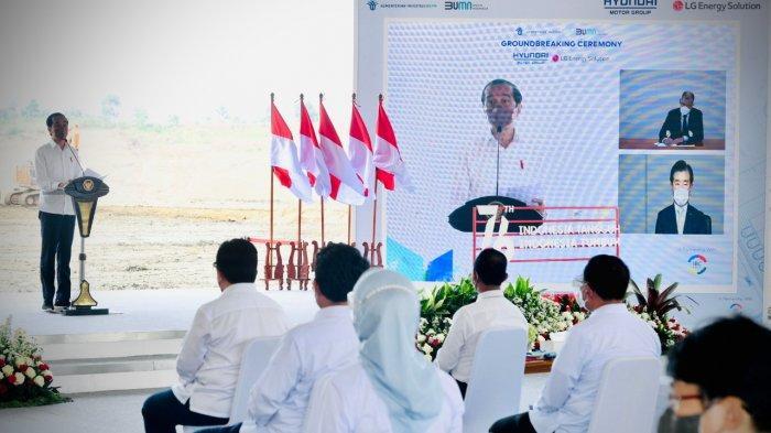 Presiden Joko Widodo juga menyampaikan komitmen Indonesia dalam dukungan pengembangan ekosistem industri baterai dan kendaraan listrik.