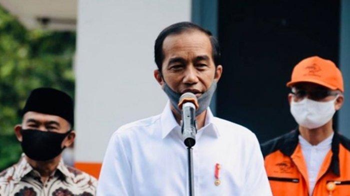 Spanduk HUT RI Dilarang Gunakan Foto Jokowi