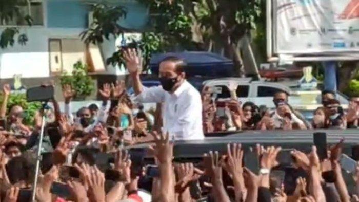 VIDEO Detik-detik Presiden Jokowi Diserbu Warga di Nusa Tenggara Timur, Ada Paspmpres yang Jatuh