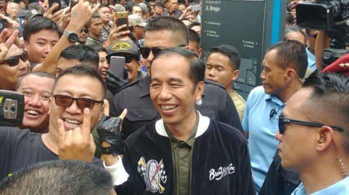 Cerita Mengenai Jaket 'Bubur Ayam Racer' Presiden Jokowi yang Berharga 'Mahal'