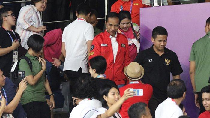 Jokowi Meninggalkan Istora Saat Final Bulu Tangkis Putra