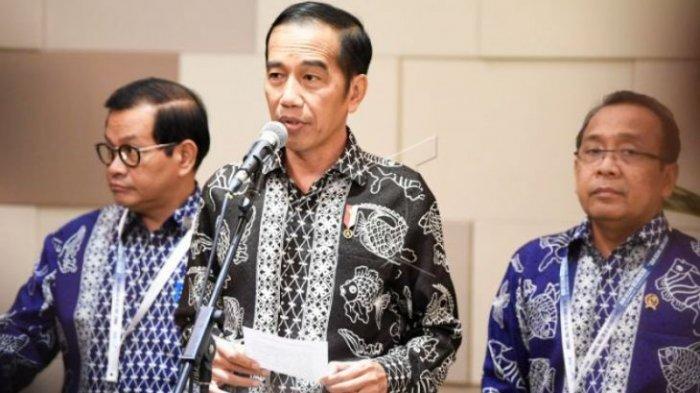 Jokowi Enggan Komentari Guru Honorer yang Demo di Depan Istana