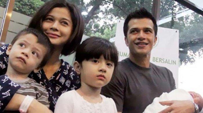 Primus Yustisio dan <a href='https://manado.tribunnews.com/tag/jihan-fahira' title='JihanFahira'>JihanFahira</a> dan anak-anak mereka.