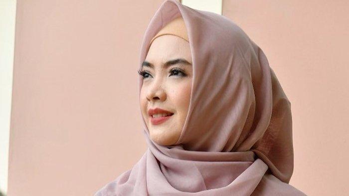 Sosok Ingrid Kansil, Artis Cantik Istri Wakil Ketua MPR Syarief Hasan, Ini Profil dan Biodatanya