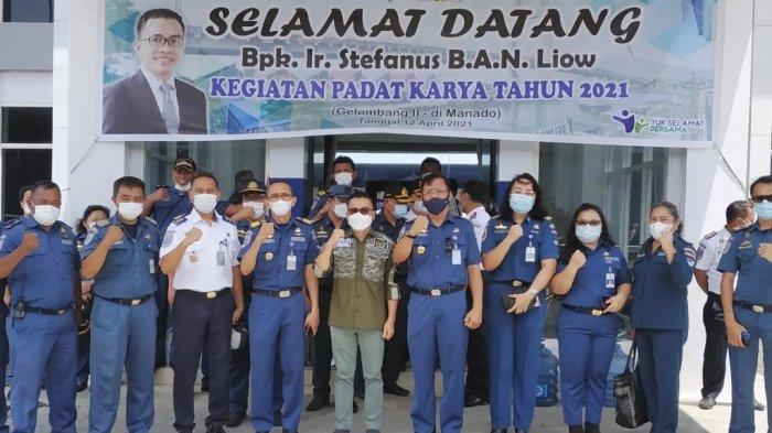 Program Padat Karya Dirjen Hubungan Laut Kementerian Perhubungan mulai digelar di kantor Kesyahbabdaran dan Otoritas Pelabuhan (KSOP) Kelas III Manado.