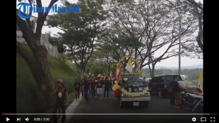 News Video: Suasana Iring-iringan Salib IYD di Citraland Manado