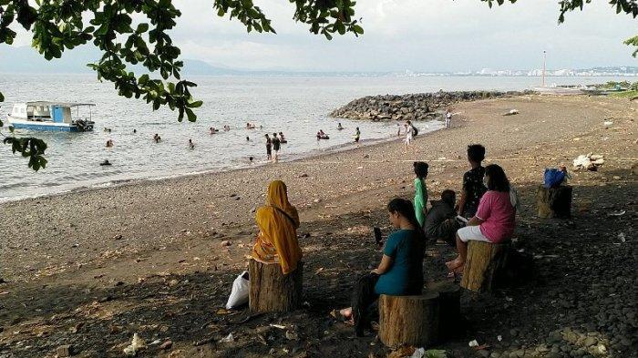 Seperti Ini Suasana 'Long Weekend' di Pantai Malalayang