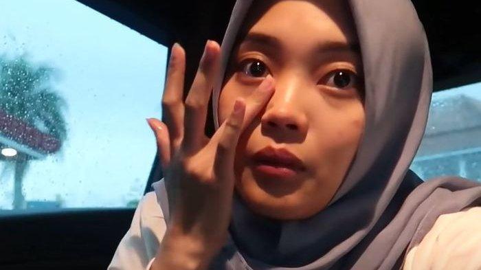Tak Bisa Jalani Bulan Ramadan Bersama Sang Mama, Putri Delina Menangis: Akui Didatangi Lewat Mimpi