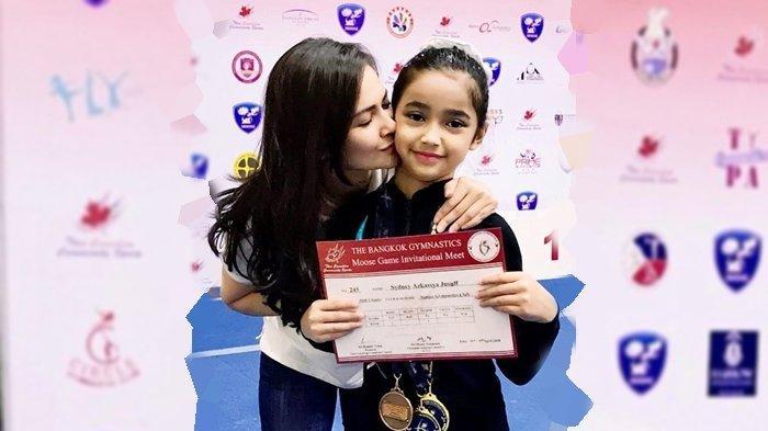 Jadi Atlet Berprestasi Internasional, Intip Potret Anak Cut Tary yang Kini Beranjak Remaja