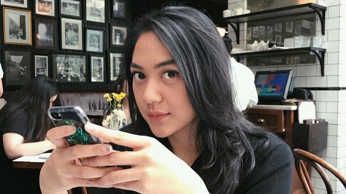 Putri Tanjung