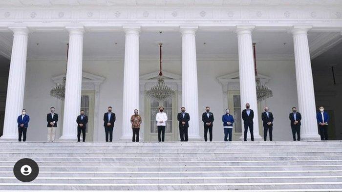 Raffi Ahmad bertemu Presiden Jokowi di Istana Negara. Tampak berfoto bersama dengan tokoh-tokoh lainnya. Disebut jadi calon menteri oleh netizen.