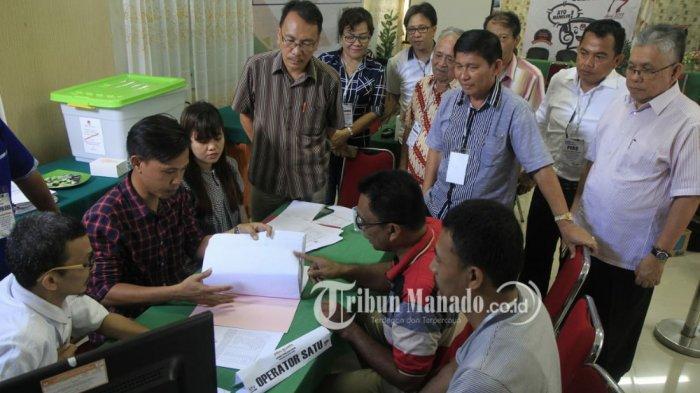 Bawa 3.530 Dukungan KTP,Ramoy Luntungan yang Pertama Daftar Calon Anggota DPD RI