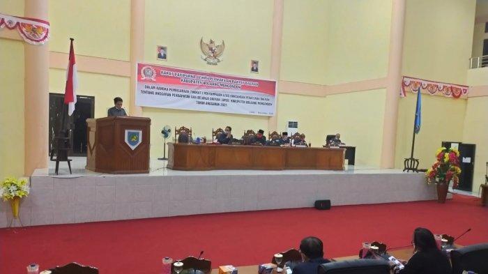 6 Fraksi DPRD Bolmong Terima dan Setujui Pembicaraan Tingkat I Ranperda APBD 2021 Dilanjutkan