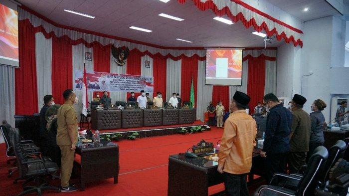 Rapat Paripurna DPRD Kota Kotamobagu Dihadiri Tatong Bara dan Nayodo Koerniawan