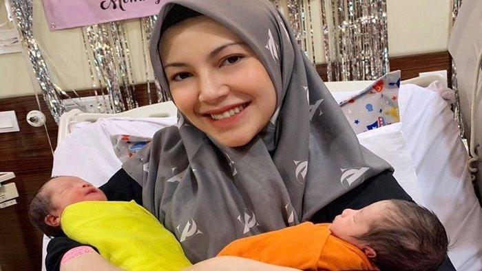 Ingat Ratna Galih? Dulu Diputuskan Raffi Ahmad, Kini Bahagia Urus Dua Anak Kembar