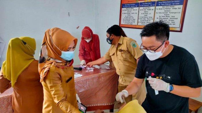 Ratusan ASN dan THL di Kecamatan Bolaang Ikut Rapid Test Antigen Massal