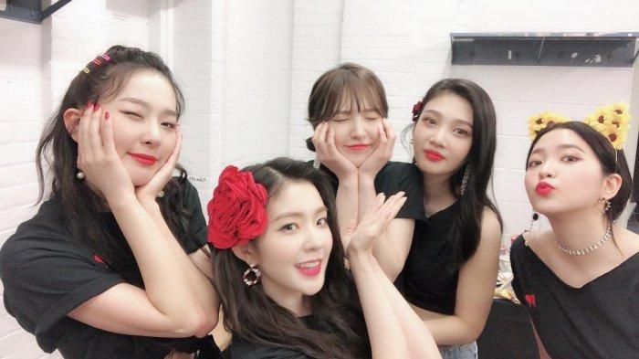 Tampil Dengan Baju Tipis, Ini Daftar Harga Pakaian Member Red Velvet Saat Tiba di Indonesia