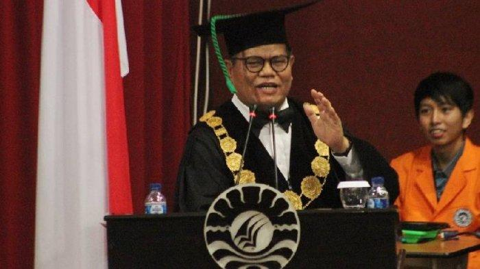 Kampus Berhasil Karena Alumninya, Kata Rektor UNM