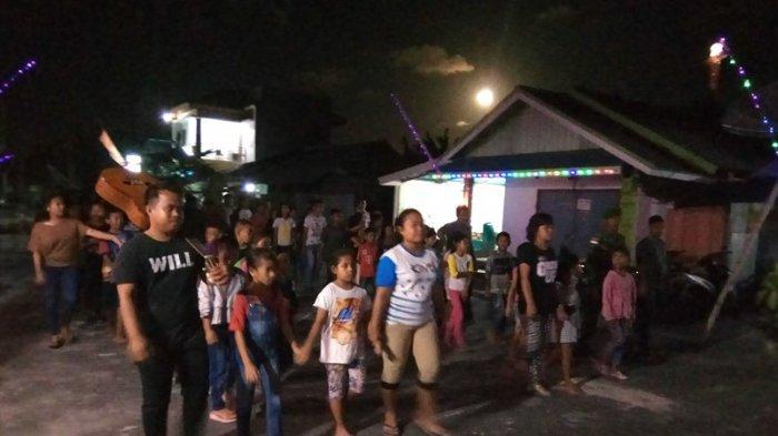 Remaja dan Anak Sekolah Minggu Germita Efrata Miangas Jalan Salib