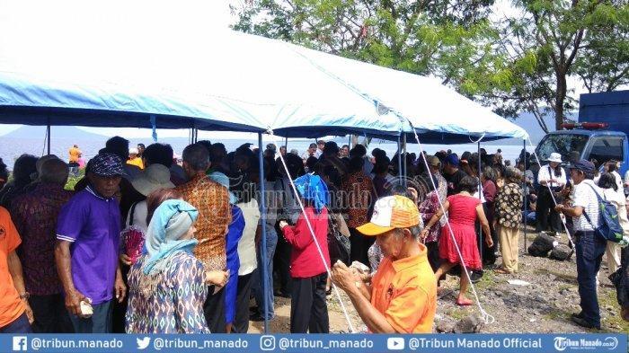 Ribuan Lansia Padati Ibadah HUT ke-13 di Pohon Kasih, Dinsos Sediakan Makanan