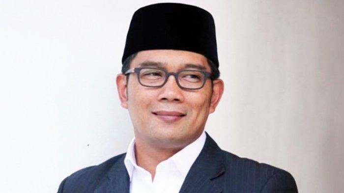 Kaus Nyeleneh Ridwan Kamil Mendapat Pujian dari Presiden Jokowi