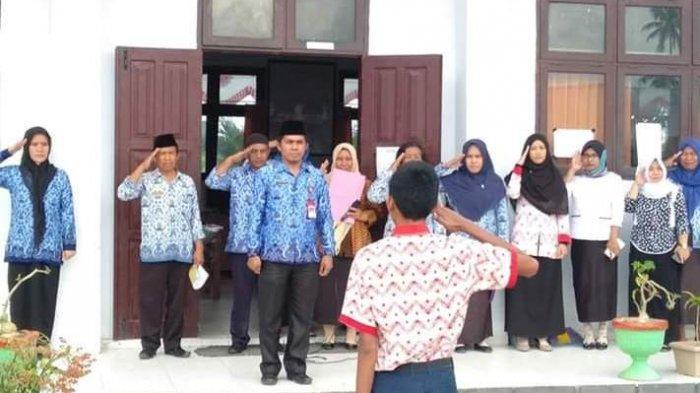 Rikson Paputungan Tutup UNBK Utama di SMP 1 Bolaang Uki