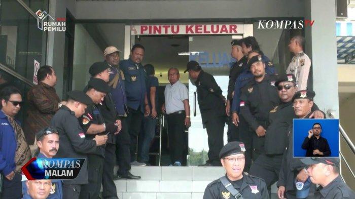 Bantah Sebut Kata 'Brengsek', Didampingi Puluhan Advokat, Rizal Ramli Laporkan Surya Paloh