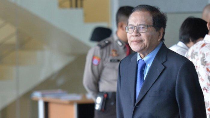 Rizal RamliSerang Sri Mulyani Sebut Menteri Terbalik, Sebut Menteri Jokowi Kelas Bawang