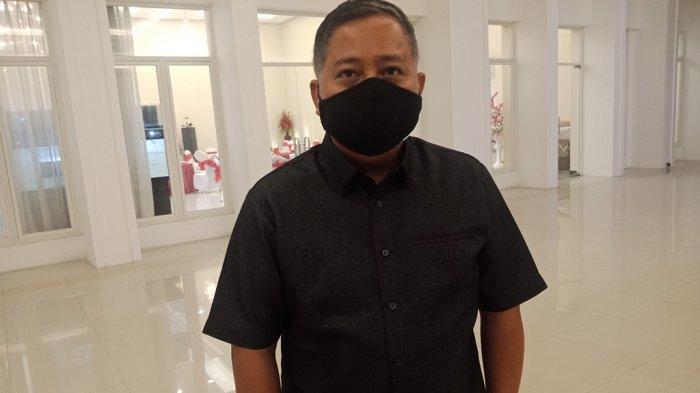 Pnt dr Roland Roeroe, Direktur PD Pasar Manado