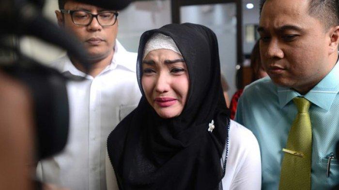 Roro Fitria Mengaku Hari-harinya Begitu Kelam: 'Saya Tidak Kuat Hidup di Penjara'