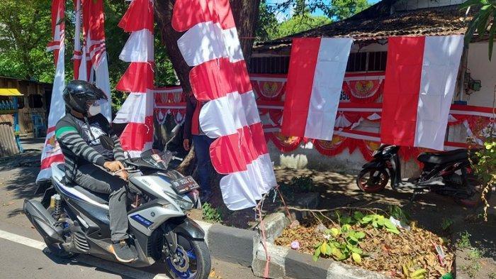 Meski Pandemi Covid 19 Rudy Tetap Gigih Berjualan Bendera Merah Putih di Kota Bitung