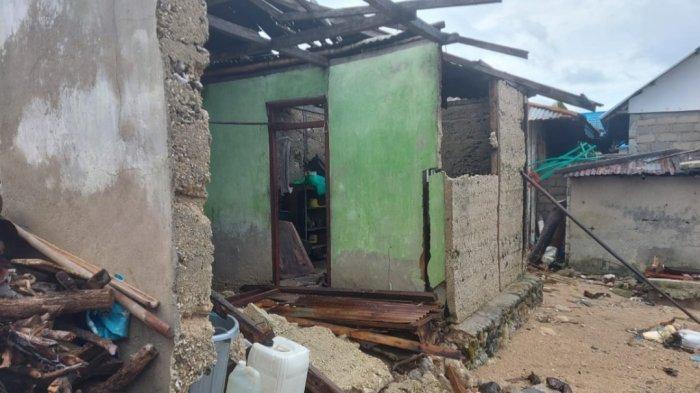 Gelombang Pasang Hantam Desa Gangga Satu, 11 Rumah Rusak