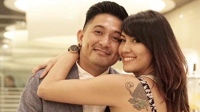 Menikah Dengan Janda Bisa Saja Takdir Ini Daftar Artis Yang Menikah Dengan Wanita Tersebut Tribun Manado
