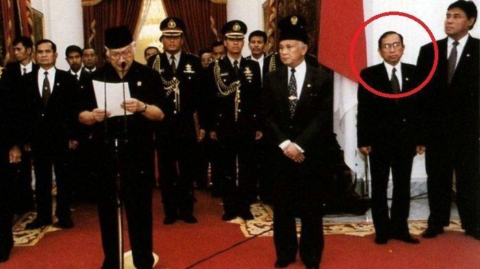 Soeharto Kecewa 14 Menteri Mundur, Amien Rais Puji Sosok Ini Tetap Setia di Sisi Pak Harto
