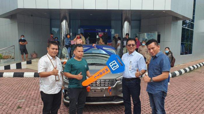 Saipullah Kaget & Tak Percaya, Kalau Dia Mendapat Hadiah Utama Mobil Ertiga dari Undian BRI