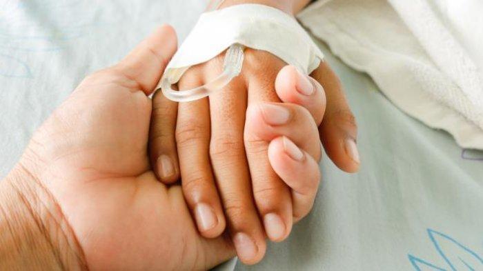 MOMEN HARU, Sambil Berpegangan Tangan, Sepasang Lansia Meninggal Bersamaan Karena Covid-19