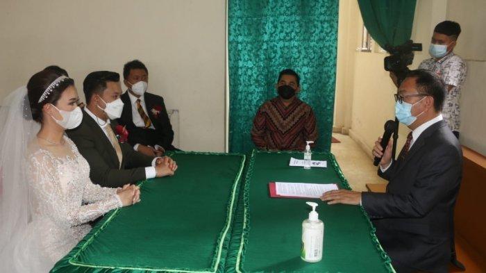 Wali Kota Jadi Saksi Pernikahan Anggota DPRD Tomohon