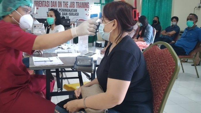 Takut Dirumahkan, THL Minahasa Selatan Ramai-ramai Antri Vaksinasi