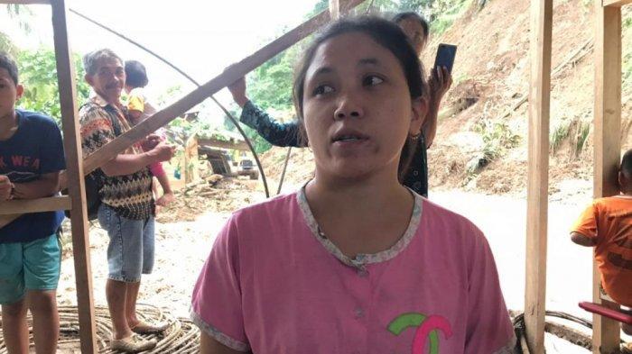 Rumah Tertimpa Longsor, Wirna Hanya Bisa Selamatkan Baju yang Dipakai